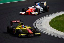 Mitch Evans, Pertamina Campos Racing leads Oliver Rowland, MP Motorsport