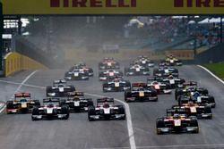 Jordan King, Racing Engineering leads Norman Nato, Racing Engineering, Nobuharu Matsushita, ART Gran