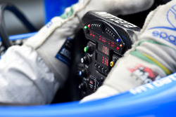 Lenkrad: Tony Kanaan, Chip Ganassi Racing, Chevrolet