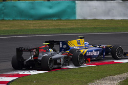 Nicholas Latifi, DAMS leads Johnny Cecotto Jr., Rapax