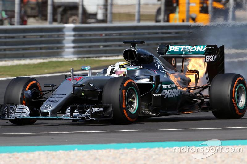 Motorschaden: Lewis Hamilton, Mercedes AMG F1 W07 Hybrid