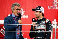 (L to R): Eddie Jordan, with third placed Sergio Perez, Sahara Force India F1 on the podium