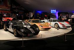 Three Ford GT 40 1966 Le Mans ganador