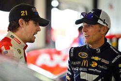 Jamie McMurray, Chip Ganassi Racing, Chevrolet; Ryan Blaney, Wood Brothers Racing, Ford