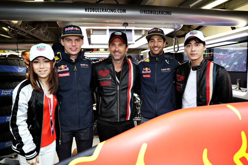 Max Verstappen, Red Bull Racing, Daniel Ricciardo, Red Bull Racing, cantante chino, G.E.M., actor chino, Li Yifeng y Patrick Dempsey, actor