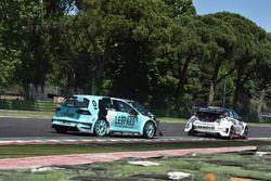Crash Jean-Karl Vernay, Leopard Racing, Volkswagen Golf GTI TCR and Gianni Morbidelli, West Coast Ra