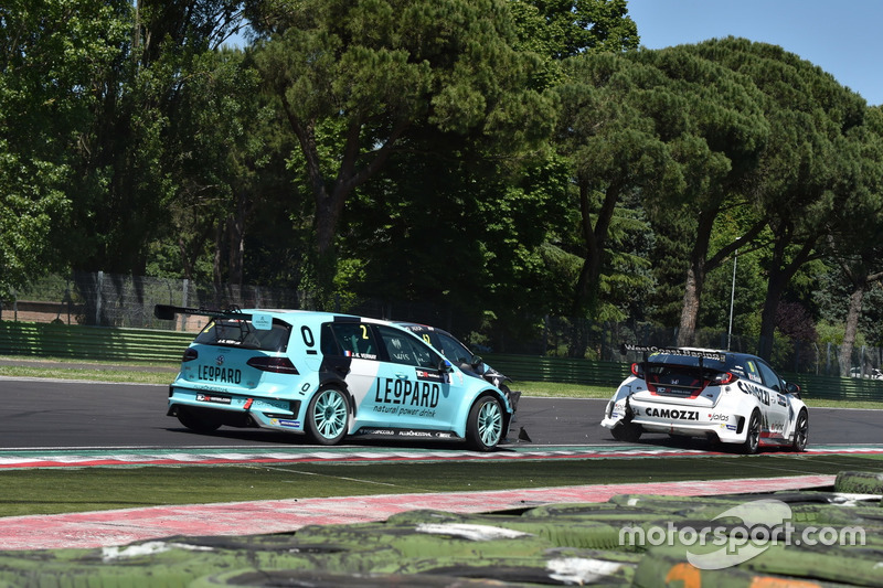 Crash Jean-Karl Vernay, Leopard Racing, Volkswagen Golf GTI TCR, und Gianni Morbidelli, West Coast R