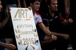 Charles Leclerc, ART Grand Prix; Nirei Fukuzumi, ART Grand Prix; Alexander Albon, ART Grand Prix und