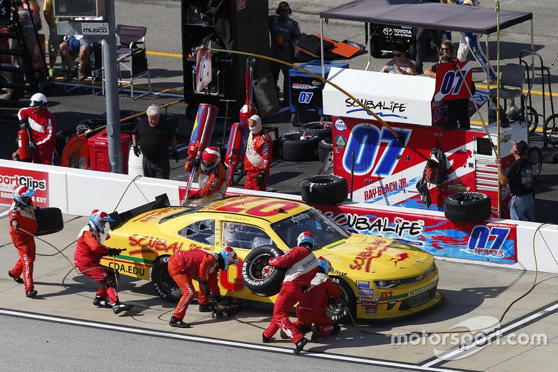Ray Black Jr., Chevrolet, pit stop