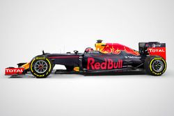 Red Bull Racing RB12 con il logo Aston Martin