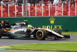 Sergio Perez, Sahara Force India F1 VJM09 part en tête-à-queue