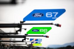 Boxenschilder von #66 Ford Chip Ganassi Racing Team UK, Ford GT: Billy Johnson, Stefan Mücke, Olivier Pla