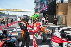 Joseph Mawson, Van Amersfoort Racing y Mick Schumacher, Prema Powerteam