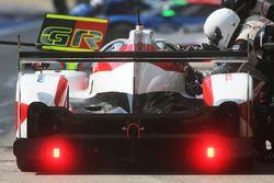 #6 Toyota Racing Toyota TS050 Hybrid: Stéphane Sarrazin, Mike Conway, Kamui Kobayashi en pits