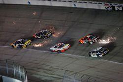 Matt Kenseth, Joe Gibbs Racing Toyota, Kurt Busch, Stewart-Haas Racing Chevrolet, Martin Truex Jr., Furniture Row Racing Toyota