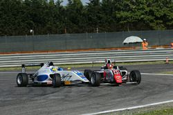 Raul Guzman Marchina, DR Formula and Simone Cunati, Vincenzo Sospiri Racing crash