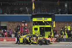 Paul Menard, Richard Childress Racing Chevrolet, pit stop