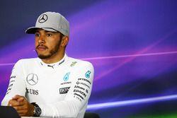 Lewis Hamilton, Mercedes AMG F1 en la rueda de prensa de la FIA