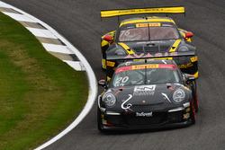 #20 TruSpeed Autosport Porsche 911 GT3 Cup: Sloan Urry, #76 Calvert Dynamics Porsche 911 GT3R: Andre