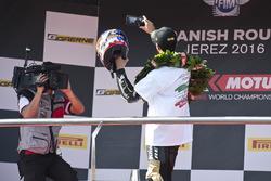 Le vainqueur Kenan Sofuoglu, Puccetti Racing