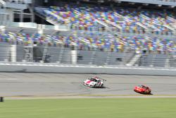 #88 MP1B Porsche GT3 Cup driven by Beto Monteiro and Carlos Crespo of BRT, #21 MP4B Mazda Miata driv