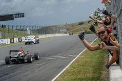 Le vainqueur Pedro Piquet