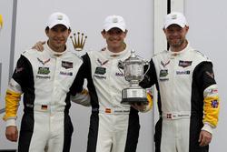 Второе место GTLM: Антонио Гарсия, Ян Магнуссен и Майк Роккенфеллер, #3 Corvette Racing Chevrolet Co