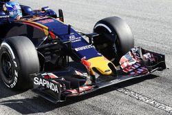 Max Verstappen, Scuderia Toro Rosso STR11 front wing