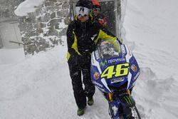 De 2016 Yamaha YZR-M1 van Valentino Rossi, Yamaha Factory Racing