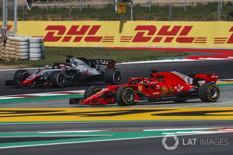 Sebastian Vettel, Ferrari SF71H runs wide