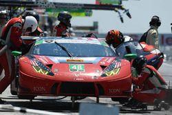 #48 Paul Miller Racing Lamborghini Huracan GT3, GTD: Madison Snow, Bryan Sellers pit stop