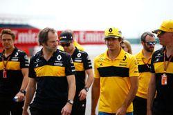 Carlos Sainz Jr., Renault Sport F1 Team during track walk