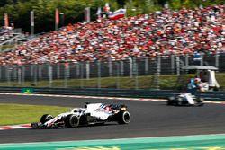 Lance Stroll, Williams FW41, voor Marcus Ericsson, Sauber C37