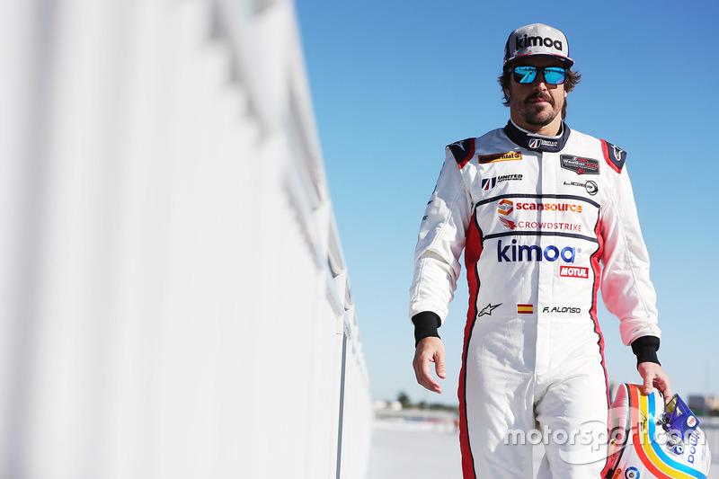 """Pasa las flechas y conoce a los """"conocidos"""" de Alonso en Daytona"""