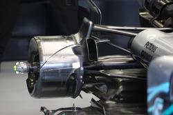 Detalle del conducto del freno trasero en el Mercedes AMG F1 W09