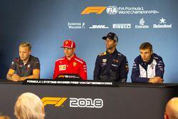 Kevin Magnussen, Haas F1, Kimi Raikkonen, Ferrari, Daniel Ricciardo, Red Bull Racing e Sergey Sirotkin, Williams, nella conferenza stampa del giovedì