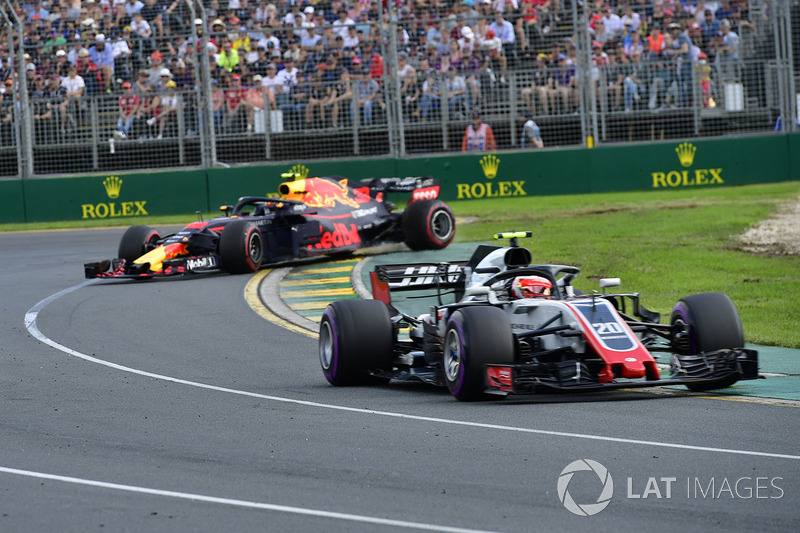 Kevin Magnussen, Haas F1 Team VF-18, Max Verstappen, Red Bull Racing RB14