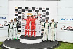 #61 R. Ferri Motorsport Ferrari 488 GT3: Toni Vilander, Miguel Molina, #3 K-PAX Racing Bentley Cont