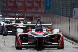 Nick Heidfeld, Mahindra Racing leadsEdoardo Mortara, Venturi Formula E Team