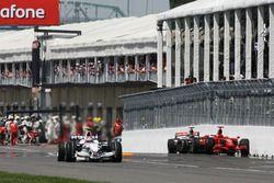 Роберт Кубица, BMW Sauber F1.08 Льюис Хэмилтон, McLaren Mercedes MP4/23 и Кими Райкконен, Ferrari F2008