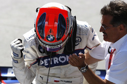 Mario Theissen, Direktör, BMW Motorsport, yarış galibi Robert Kubica, BMW Sauber F1.08
