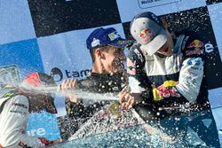 Champagne en el Podium, Sébastien Ogier, Julien Ingrassia, Ford Fiesta WRC, M-Sport