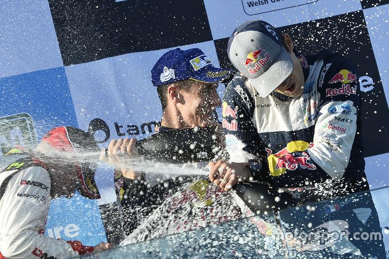 Champagne sul podio, Sébastien Ogier, Julien Ingrassia, Ford Fiesta WRC, M-Sport