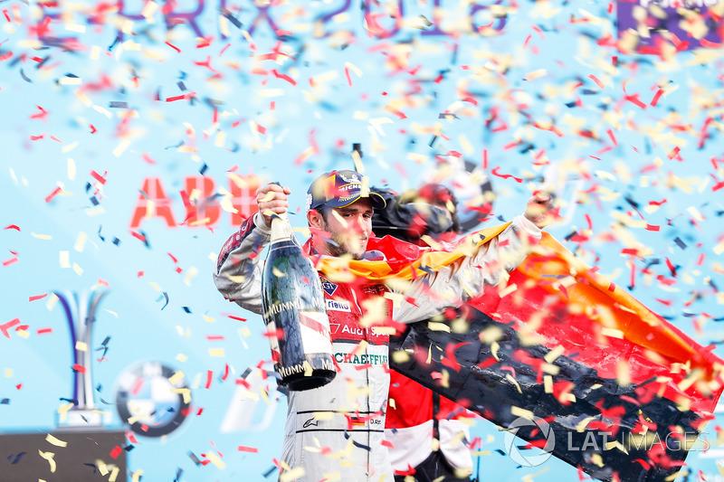 Daniel Abt, Audi Sport ABT Schaeffler, merayakan podium