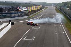 Max Verstappen con RB8 durante Jumbo Race Days