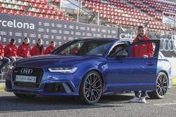 Leo Messi con su nuevo Audi