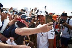 Lewis Hamilton, Mercedes AMG F1, rencontre des fans