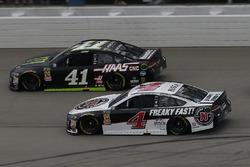 Kevin Harvick, Stewart-Haas Racing, Ford Fusion Jimmy John's Kurt Busch, Stewart-Haas Racing, Ford F
