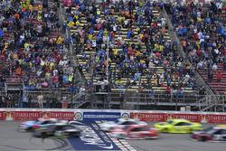 Kurt Busch, Stewart-Haas Racing, Ford Fusion Monster Energy / Haas Automation, Kyle Busch, Joe Gibbs