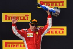 Podio: tercer lugar Kimi Raikkonen, Ferrari celebran